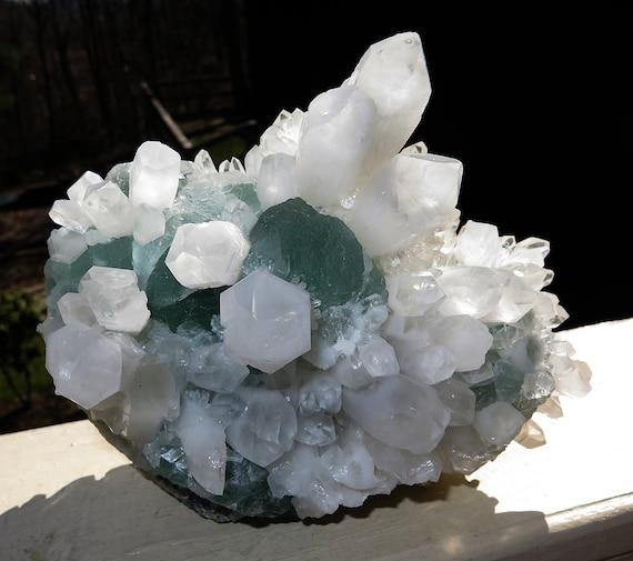 8.75 pound Fluorite on Quartz. Pasto Bueno, Pampas District, Pallasca Province, Áncash, Peru. Crystals all around.