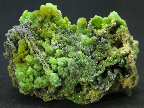 Large cabinet Pyromorphite crystals. Daoping mine, Guilin, Guangxi, China 11 cm. Sits perfectly, shows both sides