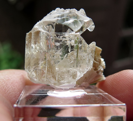 Gem Topaz with great etching from Mogok (Myanmar). Interesting top termination