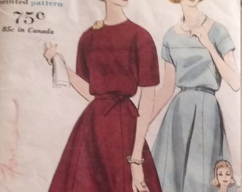 UNCUT and FF Pattern Pieces Vintage Vogue 5143 Sewing Pattern  Size 12 Bust 32 One-Piece Dress