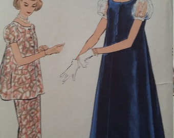 e2ef60e26c69 1950s Vintage Vogue 9351 Sewing Pattern size 18 One-Piece or Two-Piece  Maternity Dress