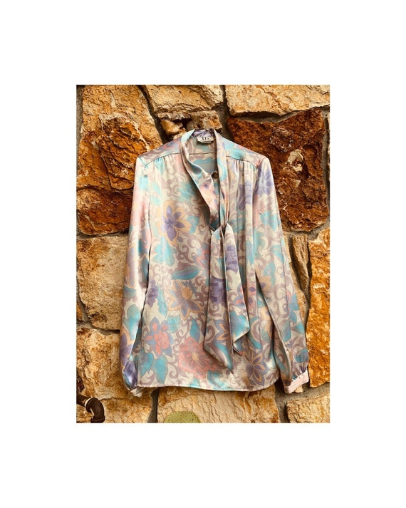 Pastel Paisley Pearlescent Blouse