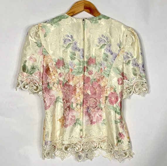 80s Cream Floral Lace Blouse - image 3