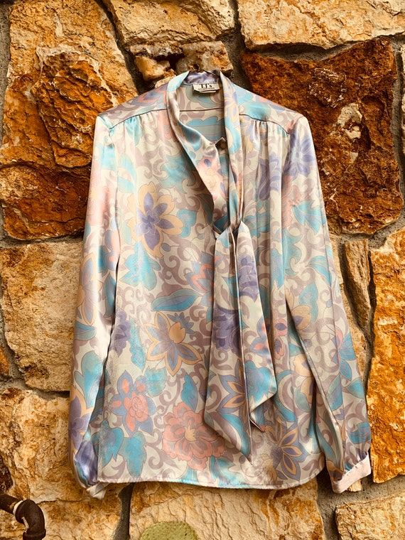 Pastel Paisley Pearlescent Blouse - image 3