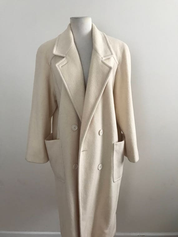 Vintage Winter White Wool Coat / Vintage 80s White