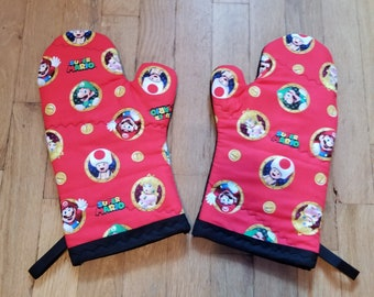 Super Mario Oven Mitts and Pot Holders - Super Mario Kitchen Decorations - Super Mario Video Game House Warming Gift - Mario Wedding Gift