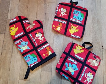 Pokemon Pikachu CHarmander Bulbasaur Squirtle Oven Mitts and Pot Holders - Kitchen Decoration - Video Game House Warming Gift - Wedding Gift