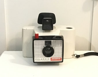 Vintage Polaroid Land Camera Swinger Model 20 With Case and Film