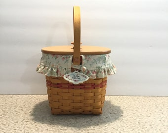 2001 Longaberger Mothers Day Basket With Wooden Lid w/Fabric Liner and Plastic Protector Insert