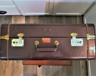 Vintage Suitcase With Key, Large Penney's Towncraft Luggage