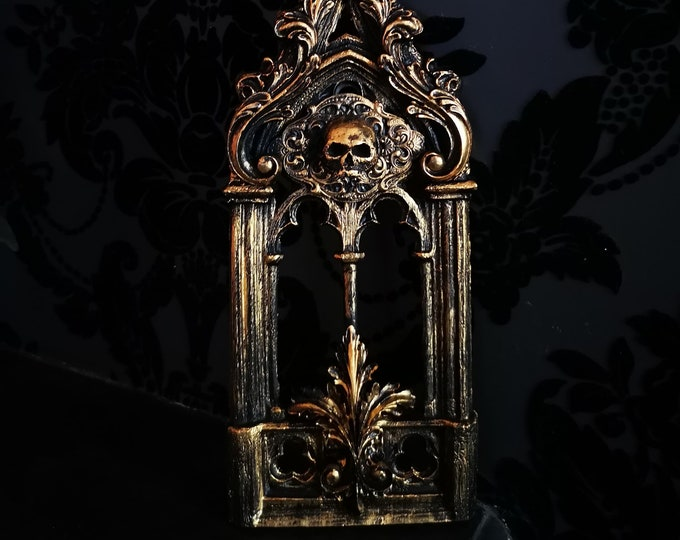 Gold Skull Abbey Wall Art