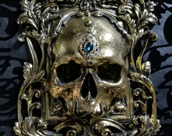 Skull Wall Plaque GOLD