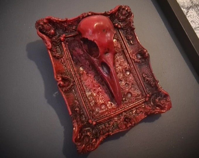 Halloween - Crow Skull Frame In Blood Red