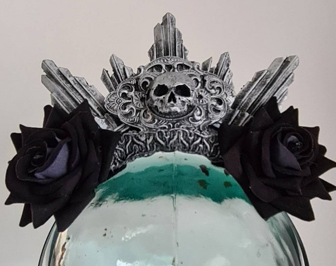 Catacomb Crypt Halo With Black Roses
