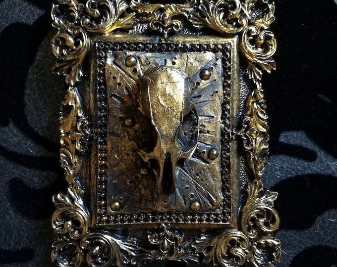 Macabre Mini Wall Large Rat Skull Frame