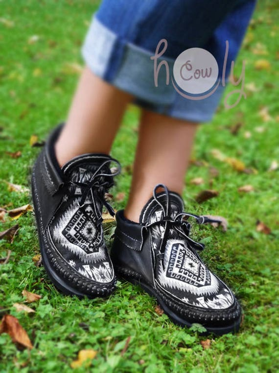 Tribal Mens Fabric Native Moccasins American Hand American Moccasin Moccasins Black Stitched Native Moccasins Womens With Leather Boots n18xSU0qO