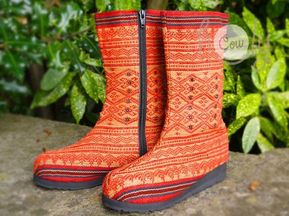 Vegan Tribal bottes pour femmes, Wo    bottes, bottes Tribal, bottes Vegan, Hmong bottes, bottes Hippie, Boho Boots, bottes rouges, ethniques, bottes f9dcbf
