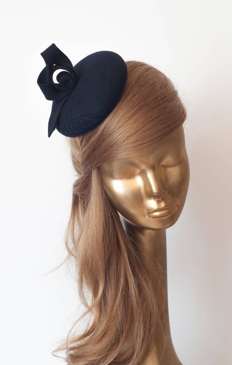 ac8a26e979c62 Unique Modern Navy Blue Felt FASCINATOR. Fascinator for Women
