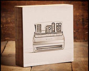 Polaroid One Step 600 Vintage Camera Reclaimed Wood Block