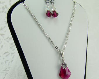 Ruby Necklace and Earrings, Ruby Necklace, Ruby Earrings, Swarovski Ruby, Ruby Flower, Flower Necklace, Flower Earrings, Baroque Ruby, Ruby