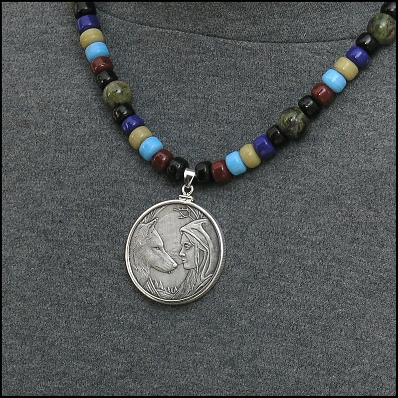 Lisa Parker Design Limited Edition Moonstruck Reversible Silver Art Coin On  Luxurious Frosted Labradorite Bead Necklace