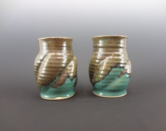 Set of 2 Ceramic Cups
