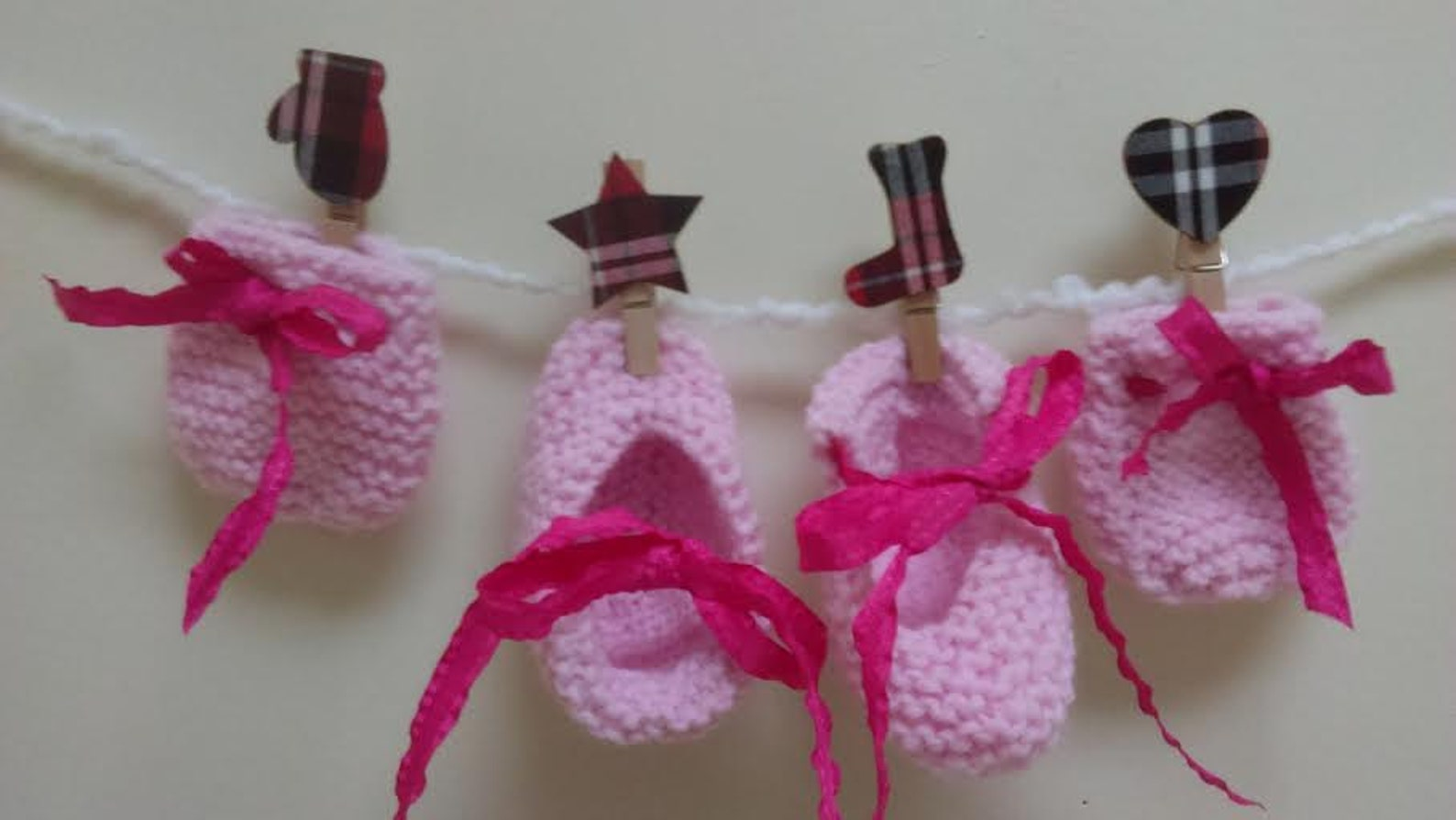 new born baby collections- pink ballet shoes and pink mitts set