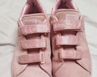 wholesale dealer b8830 a8779 Vero camoscio pastello rosa Adidas formatori Sneakers Velcro cinghie taglia  4 UK di Rare Vintage 1990