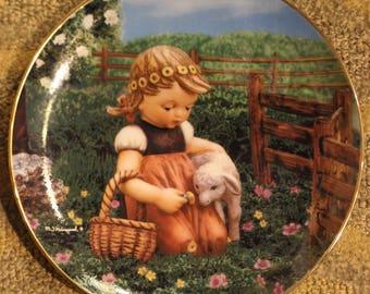 Favorite Pet | The 'Gentle Friends' M.I. Hummel Plate Collection (Plate No. L6877)