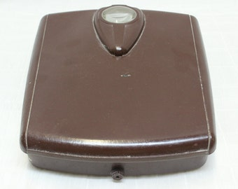 Vintage Late 1940's - Mid 1950's Era 250 lb Weight Capacity Borg Scale