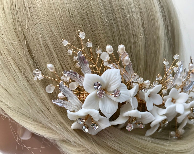 Crystal /& Pearl Floral Bridal Hair Comb Headpiece  Ivory Porcelaine Flower Hair Comb  Floral Leaf Wedding Hairpiece  Gold Flower Comb