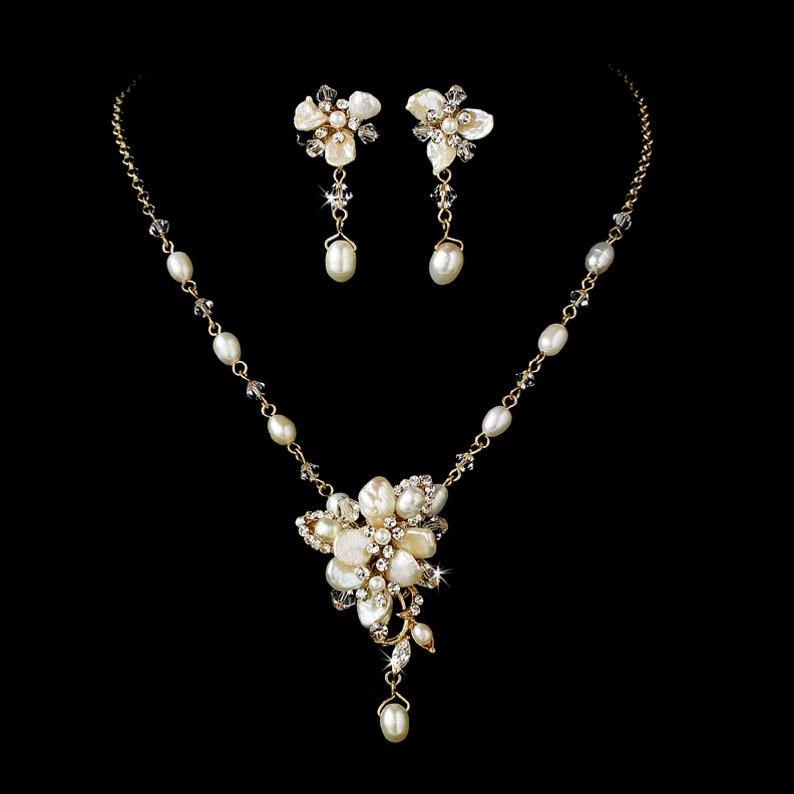 ce89d3362 Freshwater Pearl & Swarovski Crystal Bridal Wedding Necklace   Etsy