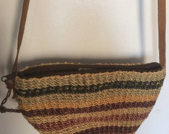 Small striped straw purse