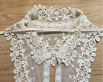 A pair of black red off white lace collar applique sew on cotton lace motif patch