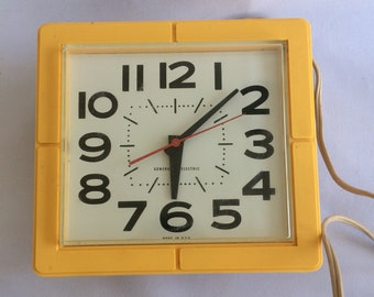 vintage retro square General Electric yellow wall clock - works! GE