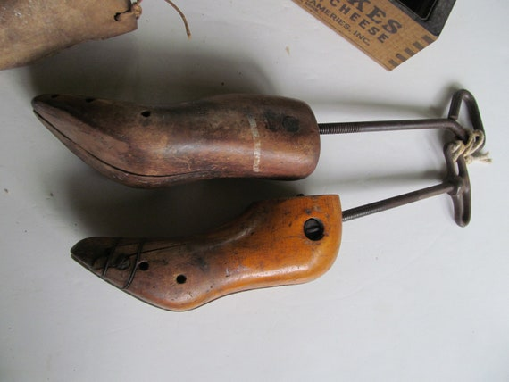 Vintage WOOD SHOE FORM Pair Marked Size 11 3 Wood Shoe Trees Stretchers Cobbler Mold Shaper Wooden Footwear Antiques Useful in Shoes Today