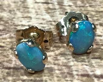 Vintage CARLA 14K Gold OPAL Stud Earrings Signed In Original Box