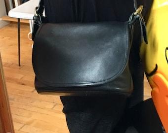 Vintage Brooklyn Coach Black Leather Crossbody Handbag Purse Brass Hardware