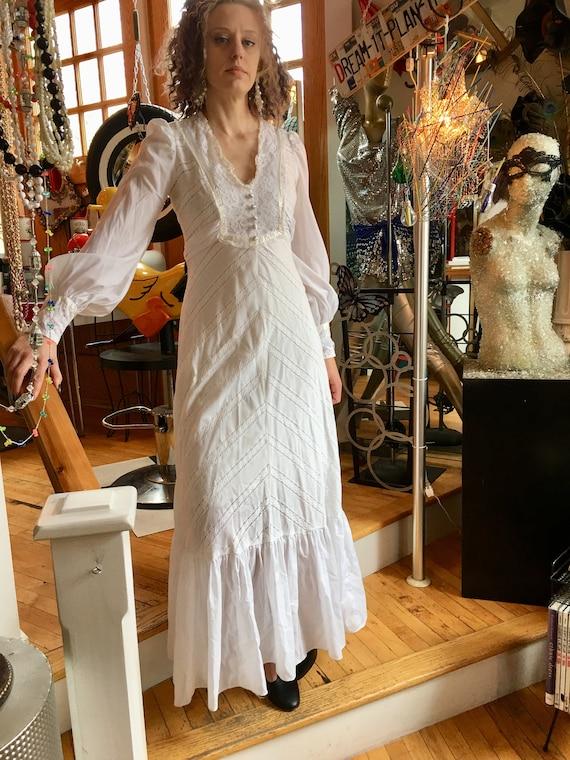 Vintage Bridal Gown White Cotton Wedding Dress Lon