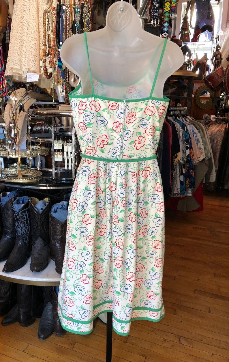50\u2019s Pinup Cotton Print Floral Sleeveless Dress
