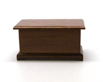 Dollhouse Hope Chest, Blanket Chest, Miniature, Wood, Town Square Miniatures, New Old Stock, 1:12 Scale