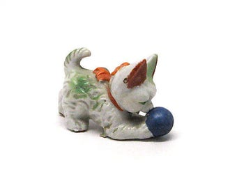Vintage Cat with Ball Figurine, Kitty, Cat, Ceramic, Porcelain, Mid Century, Knick-Knack, Kitsch, Green, Japan, c1950