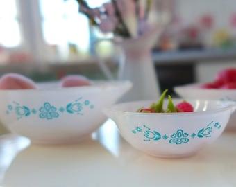 Miniature Pyrex Bowls Mint