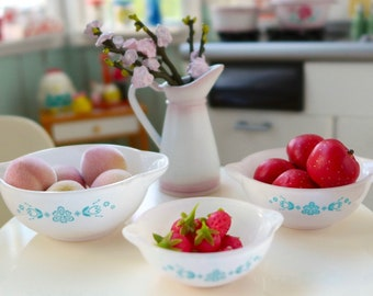 Miniature Pyrex Bowls Peaches