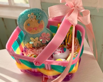 6th Scale Easter Basket Barbie Blythe Size