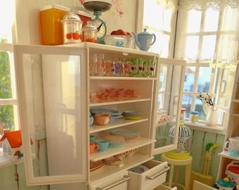 White Kitchen Cabinet Barbie & Blythe Size