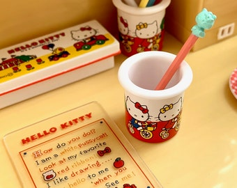 Hello Kitty Pencil Holder, Sign & Pencil 6th Scale Skipper Blythe Size