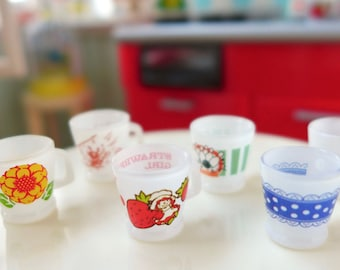 Retro 6th Scale Kitchen Coffee Cups