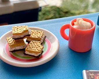 Barbie Camping Supplies S'mores, Hot Coco & Chocolate 6th Scale