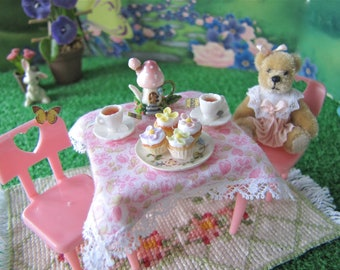 Liddle Kiddle Pink Vintage Table & Chairs